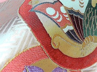 紗綾型地紋に丸紋ビンテージ帯レンタル