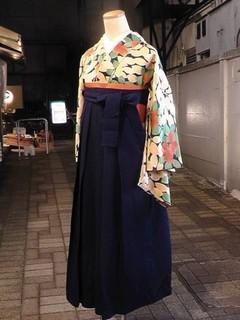 紺地に椿柄アンティーク着物と袴のレンタル